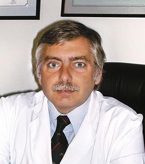 Dr. Alejandro Silvestre, especialista en Cirugía Plástica Estética y Reconstructiva