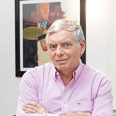 Dr. Alejandro Silvestre